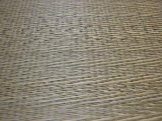 無染土い草で縁なし畳を。シンプル柄で織あげてあります